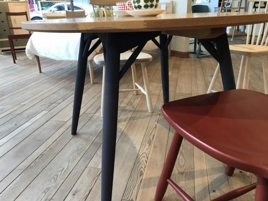 画像2:Round Table