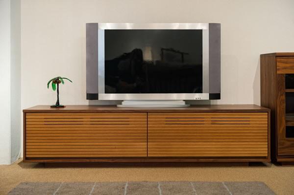 画像1:TVボード コントラスト